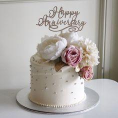 Elegant Birthday Cakes, Beautiful Birthday Cakes, Happy Birthday Cakes, Elegant Cakes, Cake Birthday, Happy Marriage Anniversary Cake, Anniversary Cake Designs, Wedding Anniversary Wishes, Simple Anniversary Cakes