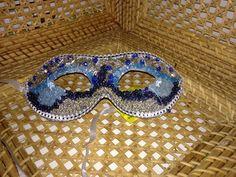 Máscara de carnaval com miçangas R$100,00 cada