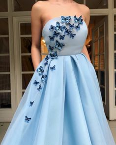 Elegant Blue Strapless Tulle Prom Dress with Appliques Long Evening Gown
