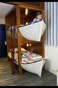 Boat bed bunk bed bed # Children& room- that looks great ! Boat Bed that looks great ! Beach House Decor, Diy Home Decor, Boat Decor, Modern Rustic Homes, Cool Furniture, Furniture Legs, Barbie Furniture, Garden Furniture, Furniture Design
