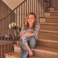 Arizona Robbins, Jessica Capshaw, Greys Anatomy Characters, Greys Anatomy Cast, Supergirl Dc, Grey Pictures, Hello Beautiful, Older Women, Actors & Actresses