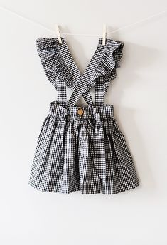 The products that you may need for your babies depend from your baby to another baby. Baby Girl Skirts, Baby Skirt, Little Girl Dresses, Baby Dress, Dress Set, Toddler Girl Style, Toddler Fashion, Kids Fashion, Baby Outfits