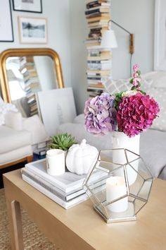 5 Quick Ways to Bring Fall Into Your Home // coffee table styling // small spaces