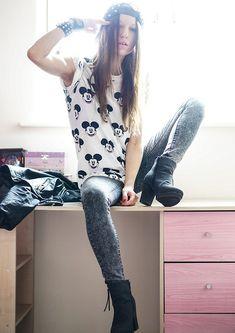 Internacionale Jeans, Zalando.Co.Uk Boots, Sheinside T Shirt, Romwe Cap