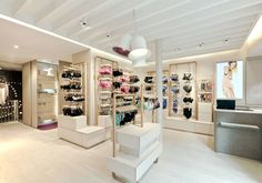 Princesse Tam Tam store by UXUS lingerie (Paris) Lingerie Store Design, Lingerie Shop, Lingerie Stores, Shop Interior Design, Retail Design, Lingerie Paris, Underwear Store, Store Layout, Boutique Design