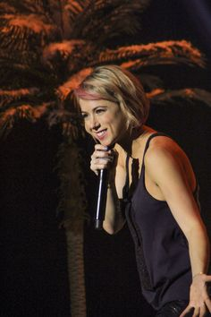 Comedian Iliza Shlesinger Totally Gets You (See: Her New Netflix Standup Special)  - MarieClaire.com