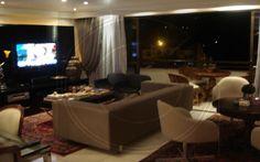 CÓDIGO: 574 - Lindo apartamento de 137m2 com 3 dormitórios sendo 3 suítes e 3 vagas de garagem privativas. R$ 860.000,00