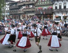 While you'll have to travel south of the border to enjoy it, Leavenworth offers a magical Oktoberfest experience that you'd be hard-pressed to find anywhere else in North America. Seattle Washington, Washington State, Autumn Leaves Festival, Coeur D'alene Idaho, Long Weekend, Pacific Northwest, Dream Vacations, North America, The Good Place