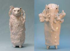 Как вы думаете, кто сотворил эти чудесные фигурки? Вы думаете какой-нибудь японский художник-керамист?! Нет, этих милых и чудоковатых существ создаёт художник Софи Вудроу (Sophie Woodrow) из Англии. Sophie Woodrow родилась в Бристоле в 1979 г. С отличием закончила Фалмутскую Высшую школу искусств (Falmouth College of Art) в степени бакалавра, специализация — керамика.