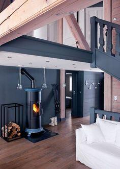 Inspiration nordique pour chalet gris poudré - CôtéMaison.fr