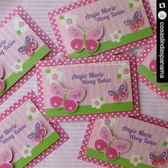 Instagram photo by nikimed14 - #Repost @cosaslindaspanama ・・・ En #cosaslindas #cosaslindaspanama le confeccionamos las #tarjetas de #presentación para sus #niños para poner el los #regalos de #cumpleaños #mariposas #flores #scrap #craft #manualidades