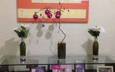Jarrinhas feitas com aproveitamento de vidros e corda e árvore de natal de galho