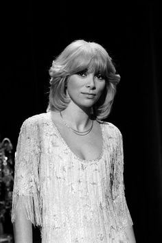 Mireille Darc - French actress and model. Photo by Jean-Claude Pierdet, 1974 Actrices Blondes, Usa Culture, 80s Actresses, Star Francaise, Famous French, Alain Delon, French Actress, Got The Look, Vintage Glamour