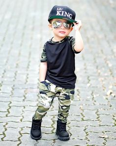 Pretty baby Boy Swag portion establish has a black tee and camouflage clothing trousers. Toddler Boy Fashion, Little Boy Fashion, Toddler Boy Outfits, Fashion Kids, Fashion Clothes, Cute Baby Boy, Baby Kind, Mom Baby, Pretty Baby
