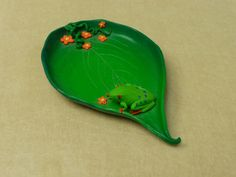 just because I love frogs! small frog dish