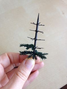 DIY TEENIE TINY VICTORIAN-STYLE CHRISTMAS TREE - Architecture of Tiny Distinction: Making a Victorian Style Christmas Tree