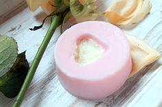 LUSH Close To You Massage Bar *ONCE UPON A CREAM Vegan Beauty Blog* #vegan #ValentinesDay