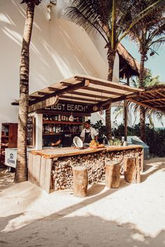 Tulum, Mexico Travel Guide: 11 Fabulous Beach Clubs - Eco-Friendly Travel: An A to Z Guide to Save Planet Cafe Shop Design, Restaurant Interior Design, Outdoor Restaurant Design, Beach Cafe, Beach Bbq, Outdoor Cafe, Beach Shack, Kiosk, Mexico Travel