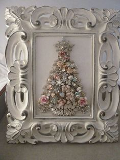 99 Inspiring White Vintage Christmas Decoration Ideas is part of Jewelry christmas tree - You don't need a big budget or a huge collection of pricey antiques to bring a vintage touch to your […] Jewelry Frames, Jewelry Tree, Shabby Chic Schmuck, Jeweled Christmas Trees, Xmas Trees, Vintage Jewelry Crafts, Costume Jewelry Crafts, Navidad Diy, Diy Weihnachten