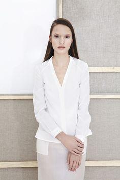Diana Jankiewicz - Jedwabna biała koszula 400 PLN