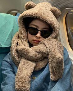 Latest Blackpink Jennie New Photo Collection Blackpink Jennie, Yg Entertainment, South Korean Girls, Korean Girl Groups, Blackpink Wallpaper, Rapper, Blackpink Members, Black Pink, Blackpink Photos