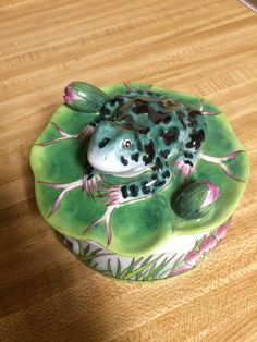 Vintage Frog Trinket Box Andrea by Sadek Lily Pad Shabby Chic Cottage by PHENOMINALFINDS on Etsy