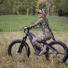Elevate your hunt with Quietkat Apex Electric Hunting Bike! Click through to learn more! Electric Mountain Bike, Electric Bicycle, Best E Bike, Eletric Bike, Time To Hunt, Vertical Vegetable Gardens, Deer Hunting Tips, E Scooter, Big Game