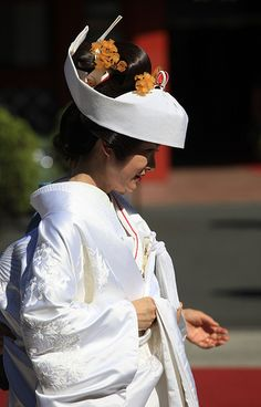 Japanese Bride in Traditional Gown, Kanda Myoujin