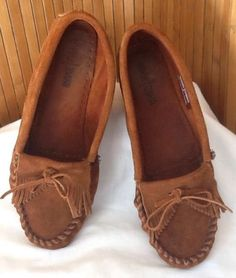 Minnetonka Brown Suede Kiltie Moccassins Rubber Sole Size 11 Mint Condition!