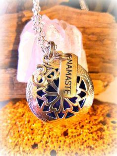 #aromatherapyjewelry  #Namaste #OilLocket #youngliving  #Doterraoils #lusmysticjewels #diffusserjewelry  #diffussernecklace