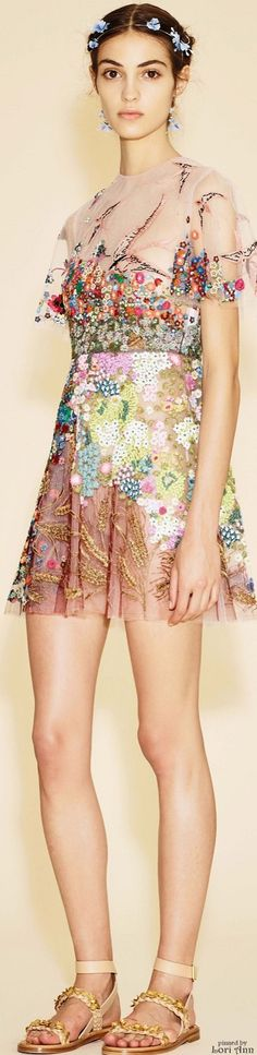Valentino Resort 2016                                                                                                                                                      More