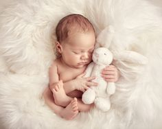 Ideas For Newborn Photography Boy Poses Diy Foto Newborn, Newborn Baby Photos, Newborn Shoot, Newborn Pictures, Baby Girl Newborn, Baby Poses, Schlafendes Baby, Infant Photos, Newborn Sibling