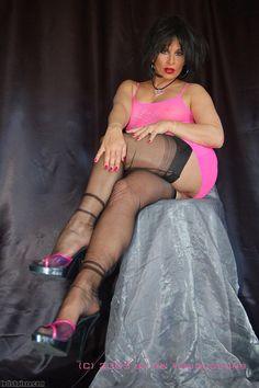 Amanda black ff nylon stockings Amanda Black, Killer Heels, Voluptuous Women, Nylon Stockings, Sexy Feet, Heeled Mules, Sexy Women, Lady, Hot