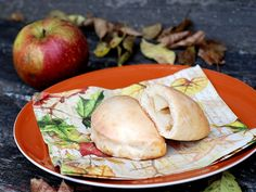 Chili und Ciabatta: Apfeltaschen (Quark-Ölteig)