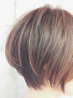 30代40代からのふんわり大人ボブ☆マイナス5歳カット☆ - 24時間いつでもWEB予約OK!ヘアスタイル10万点以上掲載!お気に入りの髪型、人気のヘアスタイルを探すならKirei Style[キレイスタイル]で。 Short Bob Haircuts, Hairstyles Haircuts, Pretty Hairstyles, Chin Length Cuts, Medium Hair Styles, Short Hair Styles, Fringe Haircut, One Hair, Great Hair