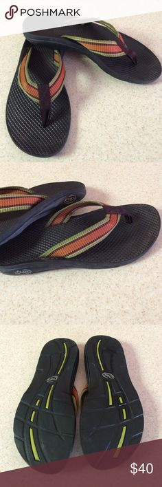 ❗️weekend sale❗️was $40 Chaco Sandals Beautiful vibram sandals from Chaco. Great arch, synthetic upper, rubber outsole, excellent condition Chacos Shoes Sandals