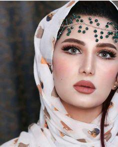 By Sarfaraz Shah Beautiful Arab Women, Beautiful Girl Image, Beautiful Hijab, Hijabi Girl, Girl Hijab, Arabian Beauty Women, Iranian Women Fashion, Muslim Beauty, Stylish Girl Pic