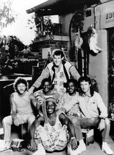 Johnny Clegg & Savuka - South Africa - Hit : Scatterlings of Africa - 1987 Rockers, Going Crazy, Pop Music, Live, Music Bands, Diversity, Concerts, Rock N Roll, South Africa