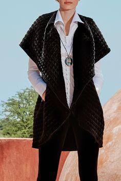 The SOYEUX black quilted velvet coat. Black Quilt, White Shirts, Designer Dresses, Dresses For Work, Velvet, Black And White, Coat, Womens Fashion, Casual