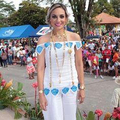 Gracias Ariana por preferirnos. Ataviada para otro evento por Polleras y Filigranas. #traditionalgown #vestidoestilizado
