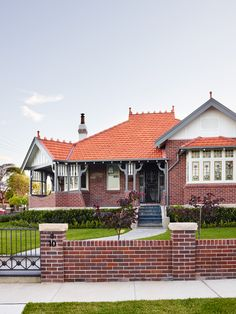 Interior Designer Stylist Architecture – Greg Natale Design's Haberfield House 2 House Exterior Color Schemes, House Paint Exterior, Exterior Paint Colors, Exterior Design, House 2, House Front, California Bungalow, Sydney, Australian Interior Design