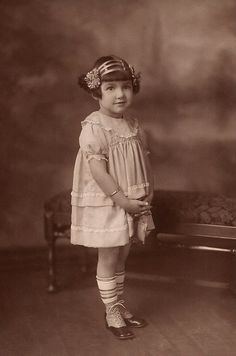 +~+~ Vintage Photograph ~+~+ Sweet girl with interesting headband