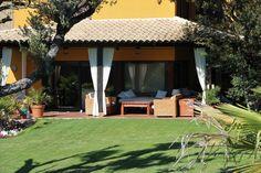 terraza, porche exterior zona lounge chill out con jardín. Chalet en Urbanizacion en Venta en Ciudalcampo, San Sebastián de Los Reyes, Madrid