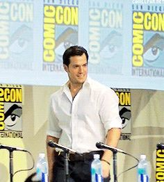 Henry Cavill - SDCC 2014 JUST his WALK is Super manly! MMMMmmm
