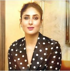 Kareena Kapoor Saree, Deepika Padukone, Anushka Sharma, Priyanka Chopra, Celebrity Photos, Celebrity Style, Randhir Kapoor, Karena Kapoor, Sara Ali Khan
