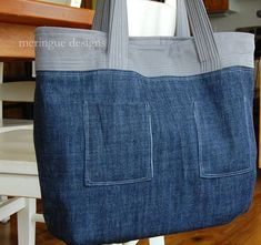 23 best Running Shoes with Jeans Outfits - Outdoor Click Denim Handbags, Denim Tote Bags, Denim Purse, Purse Patterns, Sewing Patterns, Jean Purses, How To Make Purses, Denim Crafts, Patchwork Jeans