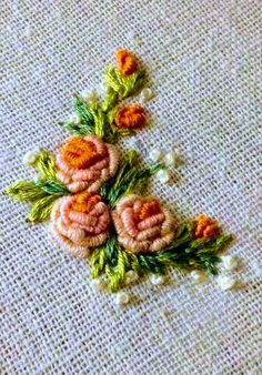 Embroidered Roses, Hand Embroidery Flowers, Blouse Styles, Sewing, Fashion, Brunette Girl, Crafts, Manualidades, Gatos