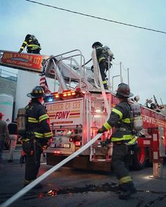 FEATURED POST  @newyork5x5 -  Engine companies stretch a hose line up an arial ladder (L133) to knock down fire venting from the duct work on the roof at todays 2nd Alarm Box 4983 at 144-02 157th Street.  #FDNY . CHECK OUT! http://ift.tt/2aftxS9 . Facebook- chiefmiller1 Snapchat- chief_miller Periscope -chief_miller Tumbr- chief-miller Twitter - chief_miller YouTube- chief miller  Use #chiefmiller in your post! .  #firetruck #firedepartment #fireman #firefighters #ems #kcco  #flashover…