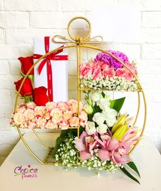 Flower Delivery in Abu Dhabi: Online Flower delivery shop, most trusted flower shop for customers across the world. Online Flower Shop, Flowers Online, Unique Flower Arrangements, Unique Flowers, Order Flowers, Send Flowers, Creative Wedding Gifts, School Pens, Anniversary Flowers