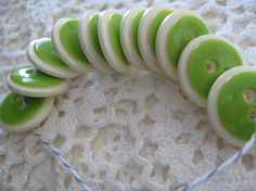Vintage lime green and white - set of 11!